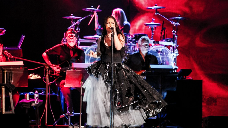 REVIEW: Evanescence Synthesis Live en Kansas 2018 con la participación de Lindsey Stirling. Fotos y Videos.